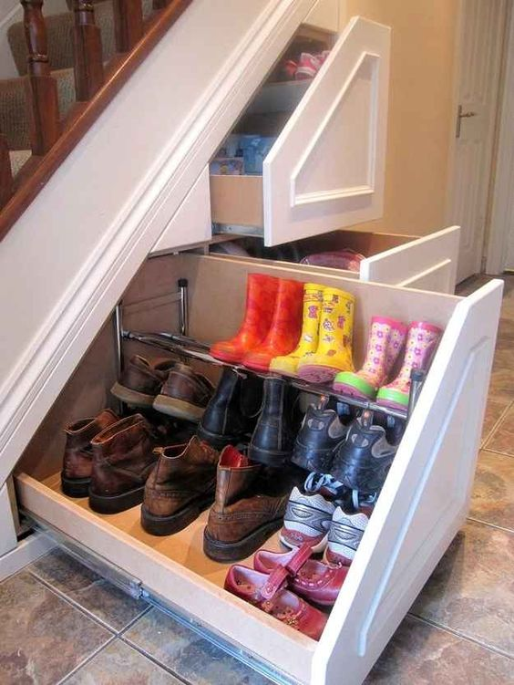 14-shoes-storage-under-the-stairs
