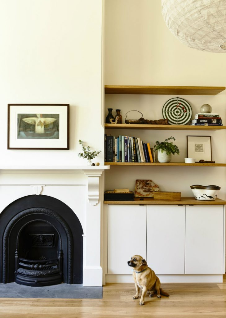 A-classic-fireplace-becomes-a-design-element-of-the-room-900x1264