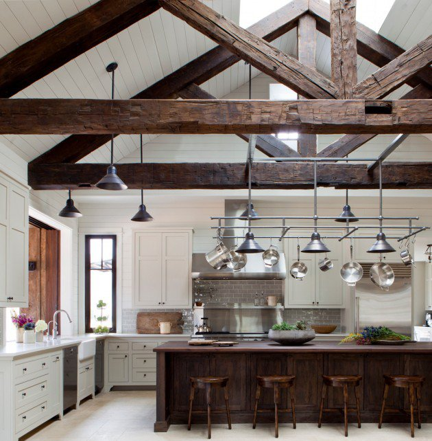 Farmhouse-with-wood-beams-and-raw-edges-of-wood