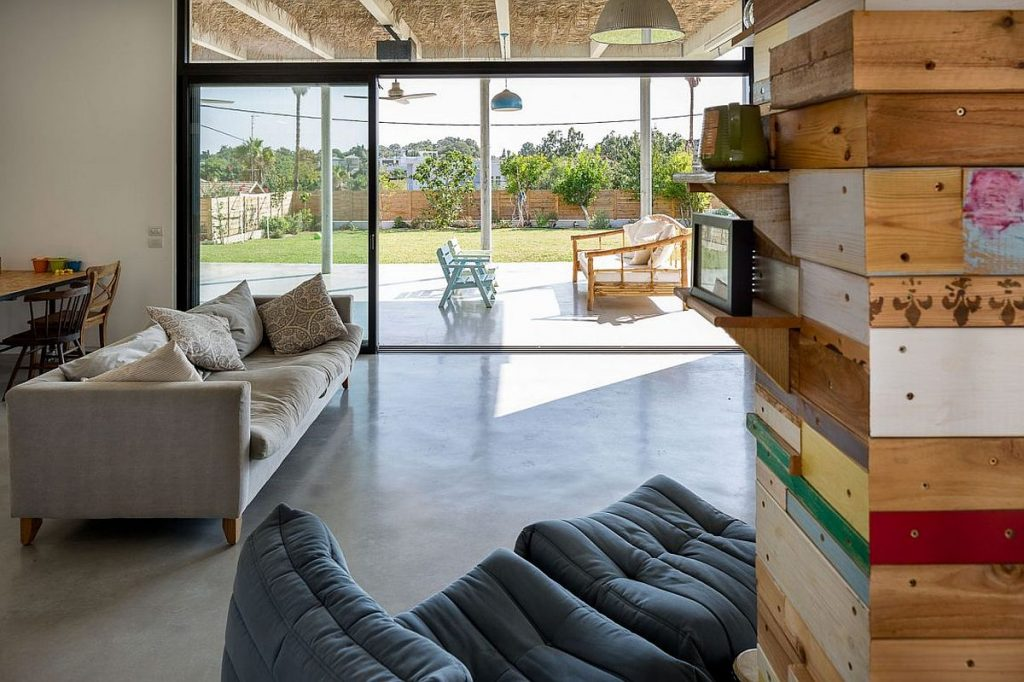 Living-room-connected-with-the-deck-outside