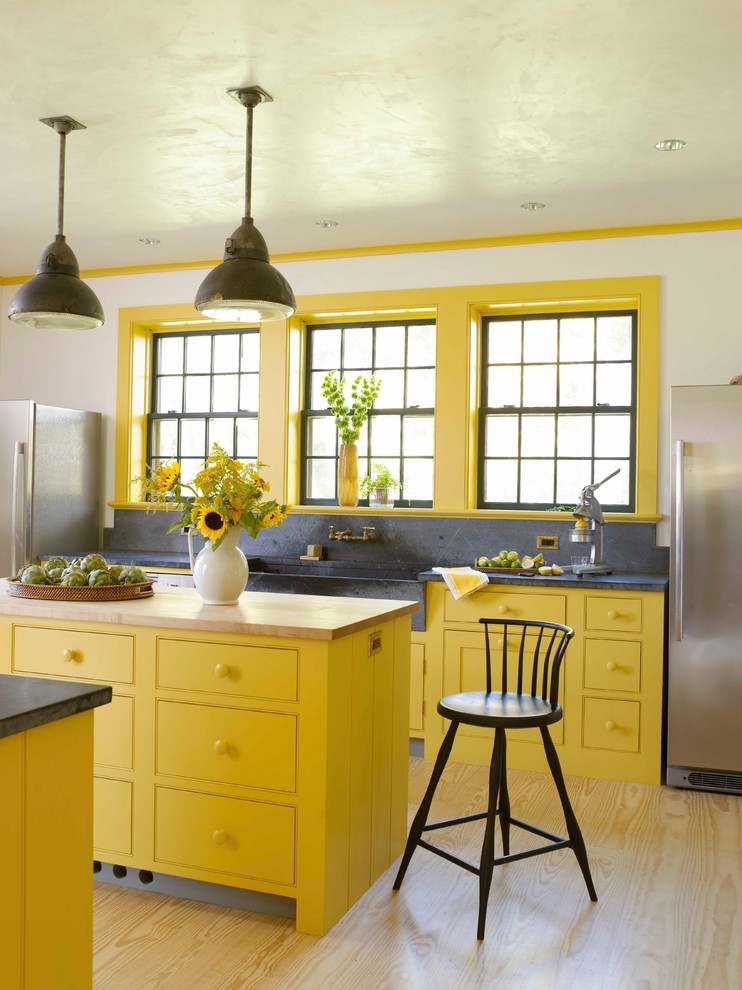 Yellow-farmhouse-kitchen-design