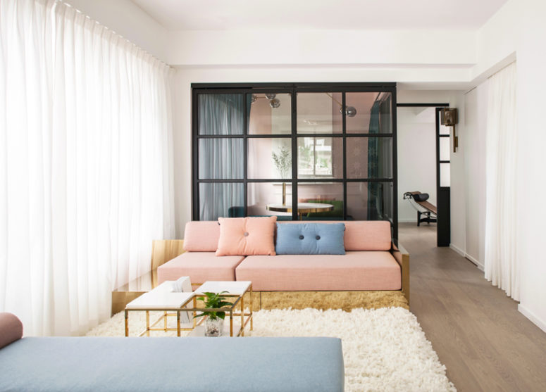 01-This-modern-apartment-in-Hong-Kong-was-renovated-to-become-not-only-a-living-space-but-also-a-showroom-of-the-young-couple-775x557
