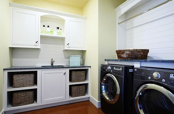 Traditional-Laundry-Room-cabinets