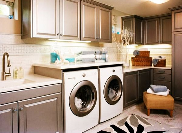 painted-laundry-room-cabinets